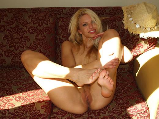 desnuda muestra su cuerpazo-3