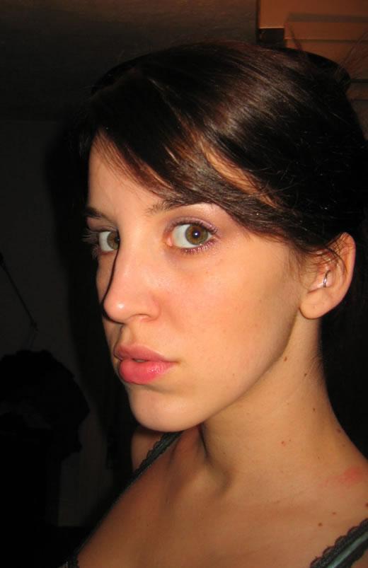 joven morena muy puta-14