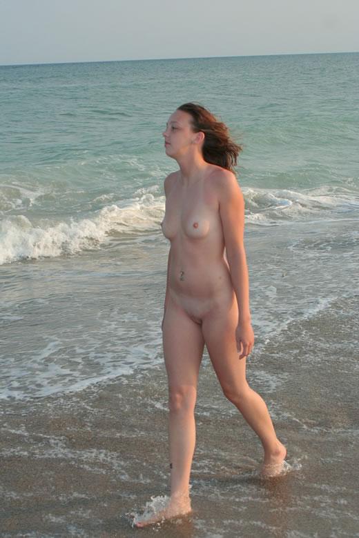modelito amateur desnuda-16