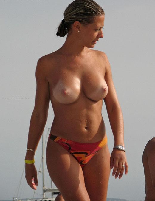 nudismo en la playa-1