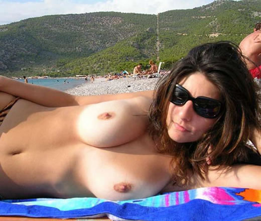 nudismo en la playa-17