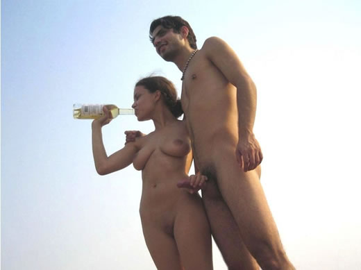 parejas pilladas en la playa-6