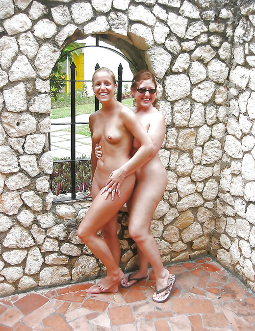 parejas nudistas-44