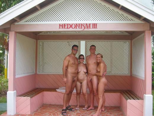 parejas nudistas-51
