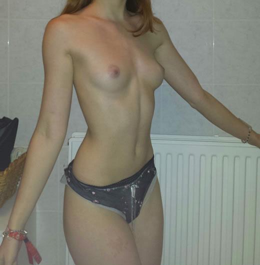 rubia hermosa desnuda-58