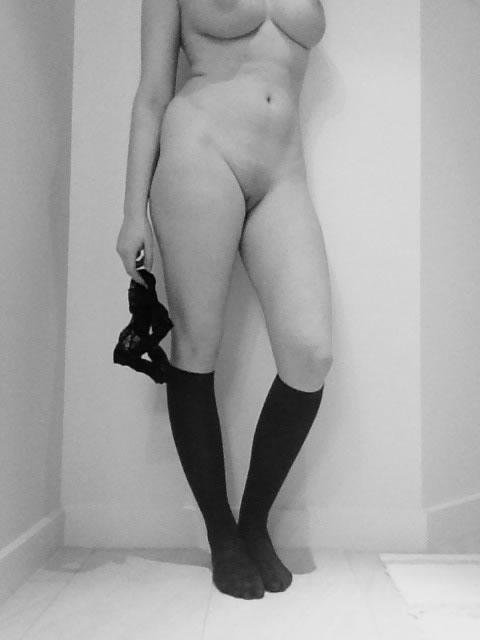 rubia sabe mostrar su cuerpo-19