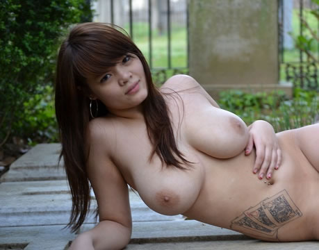 tetona asiatica tatuada-59