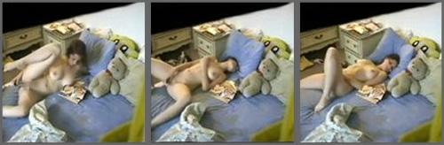 vecina pillada desnuda: