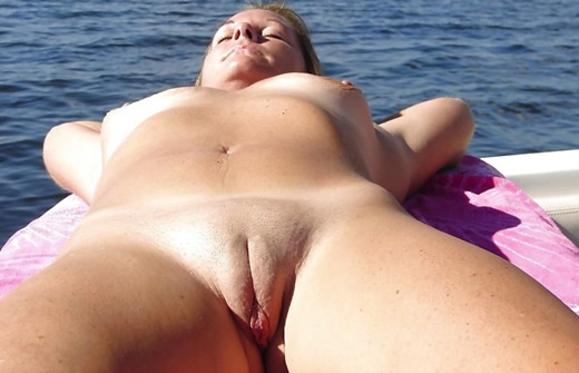 Chicas de playa natural desnudas