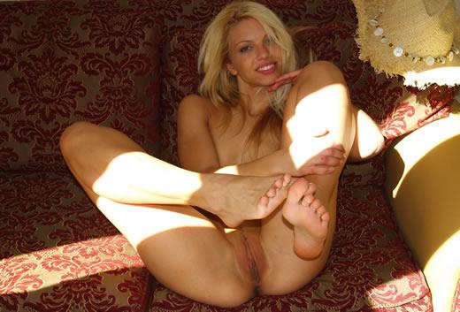 desnuda muestra su cuerpazo